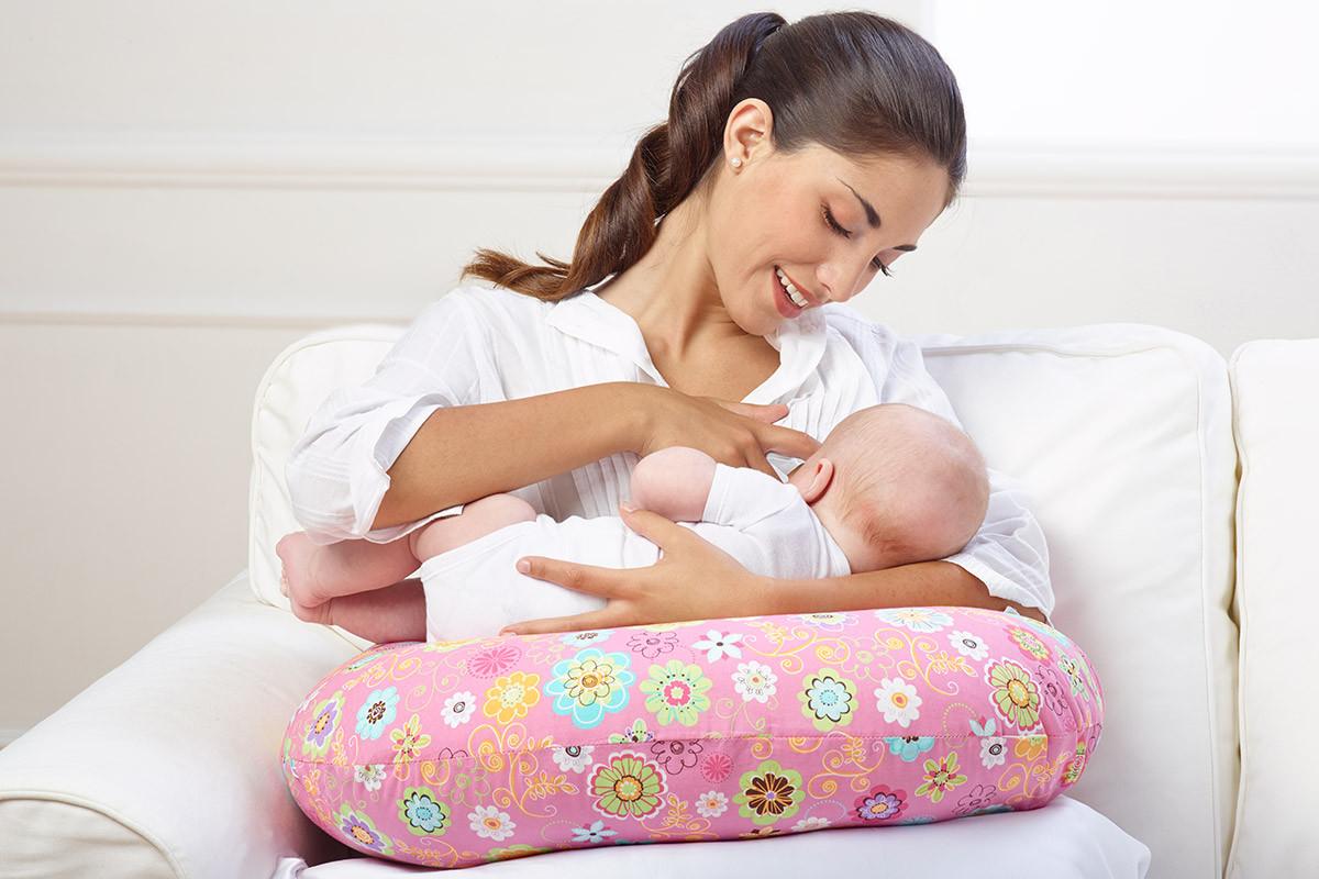 Sedia A Dondolo Per Allattamento Della Chicco : Cuscino boppy ringtone chicco colori vari allattamento
